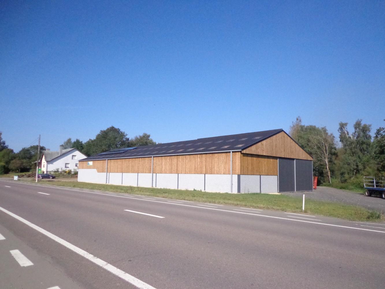 Hangar agricole simonet art chi made for Architecte batiment agricole