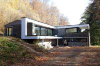 Transformation contemporaine vitrée Arlon Habay Etalle Virton Attert Servalux Grandjean Bouchat SG Beton beton lissé CZC nature pierre